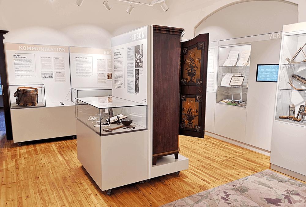 Grafikpunkt - Heimat- und Museumsverein Mauthausen, Ausstellung, Tafeln, Beschriftungen, Infotafel